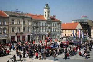 Snimio Davor KIBEL , Osijek , 21.03.2015. Trg A. Starèeviæa , Mimohod povijesnih postrojbi